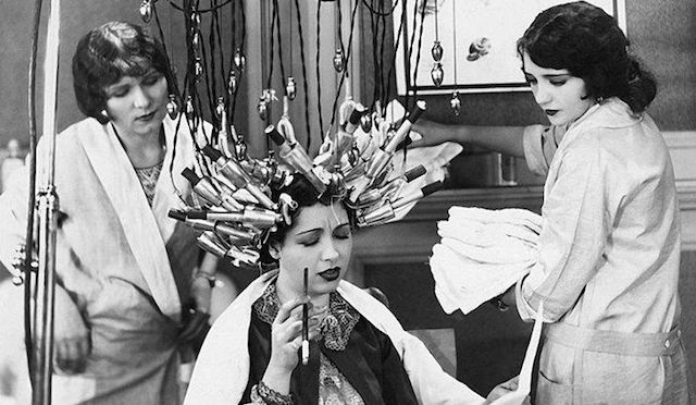 60c8cf11f80e2d50a30eb48d8038c549--vintage-salon-vintage-hair-salons